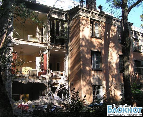 В Ростове жильцов дома, стена которого обрушилась, переселяют в аварийный дом