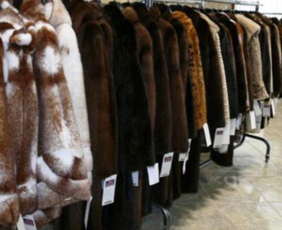 Покупательница из Новошахтинска отсудила у магазина почти 200 тысяч рублей за бракованную шубу