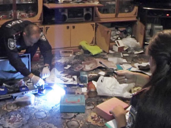 Преступники в масках ворвались в дом к ростовчанину и украли оружие с деньгами