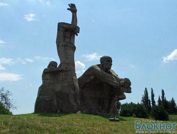 В храмах Ростова помянут жертв фашизма