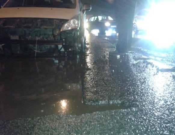 В Ростове-на-Дону автомобили «ловят» ямы на дорогах
