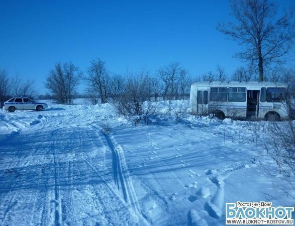 В Ростовской области, столкнувшись с автобусом, погиб водитель снегохода