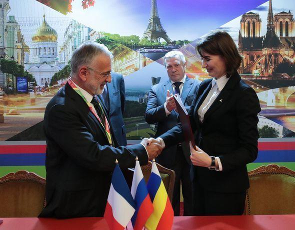Музей, самолеты, вузы: 12 договоров с французами заключила ростовская делегация в Париже