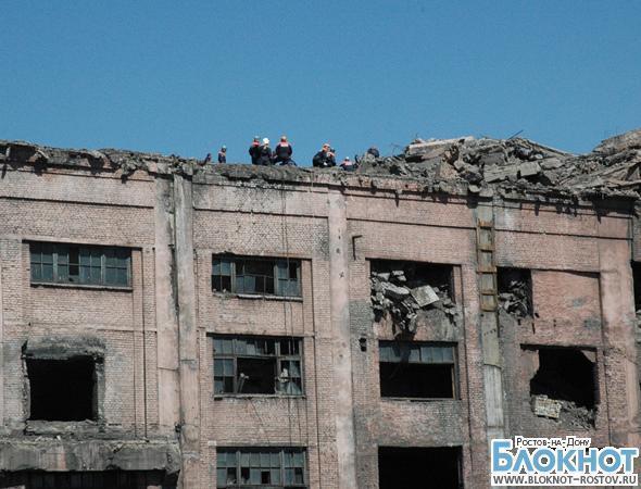 В Донецке из-под завалов ЦОФ извлекли тело погибшего экскаваторщика