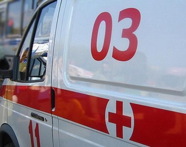 «Тойота» сбила подростка прямо на трамвайной остановке
