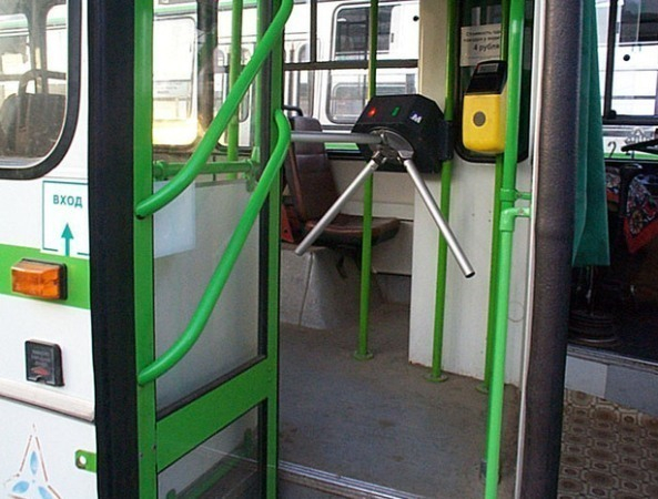 В Ростове в августе планируется завершить переход на безналичную оплату проезда