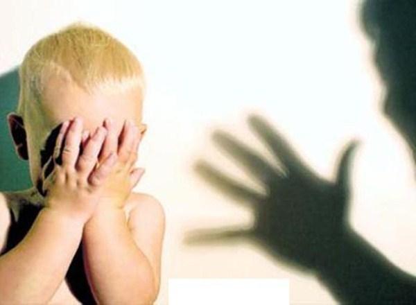 В Таганроге за жестокое обращение с детьми мать лишили родительских прав и оштрафовали на 15 тыс