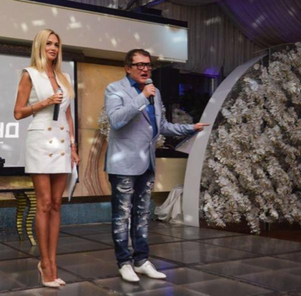 День города вРостове: Ведущими мероприятия станут Дмитрий Дибров иВиктория Лопырева