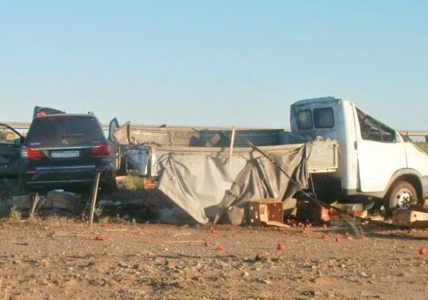 В Ростовской области при столкновении с «Мерседесом» водителя «ГАЗели» выбросило из кабины
