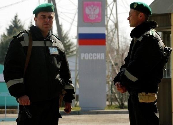 Украинские пограничники не пустили автобус с детьми в Ростовскую область