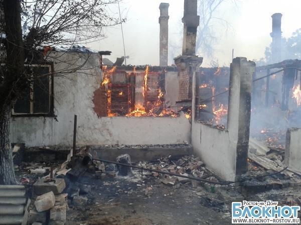 Жилой деревянный барак сгорел в Белокалитвинском районе
