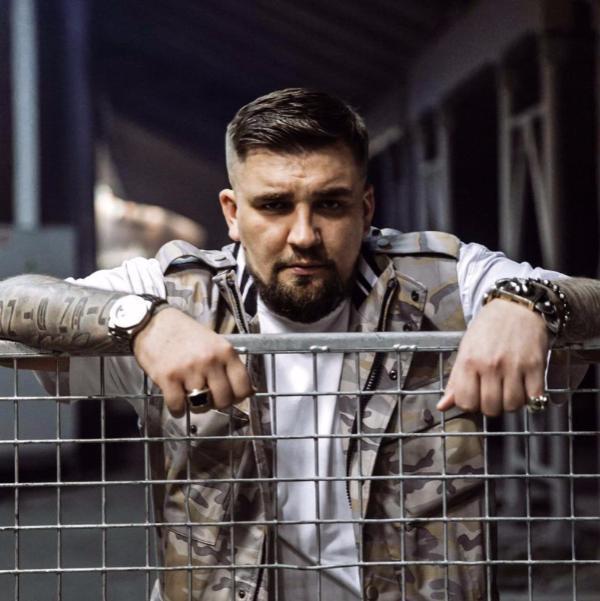 Шнур переплюнул ростовского рэпера Басту и получил премию Человек года