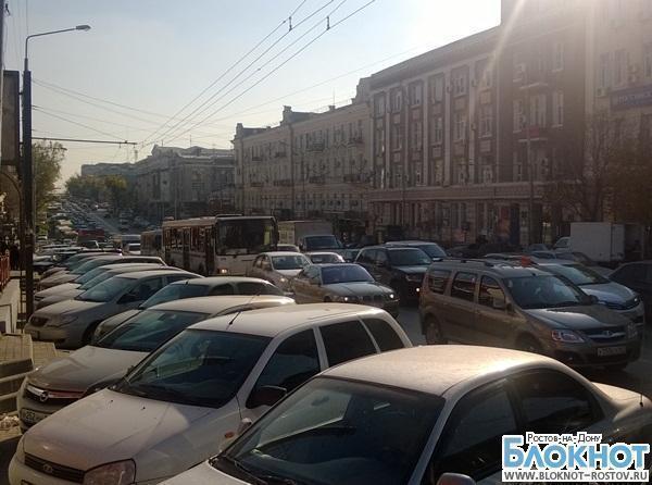 В Ростове из-за ремонта Горького движение в центре города оказалось парализовано