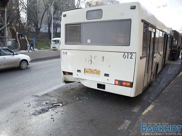 В Ростове Hyundai  столкнулся с пассажирским автобусом