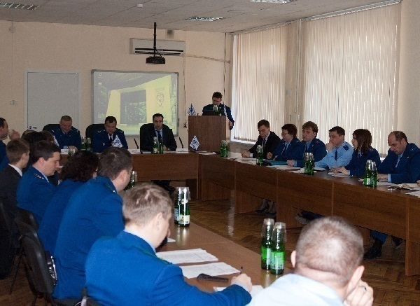 В Ростовском филиале МГТУ ГА состоялся круглый стол, посвященный надзору за исполнением законодательства