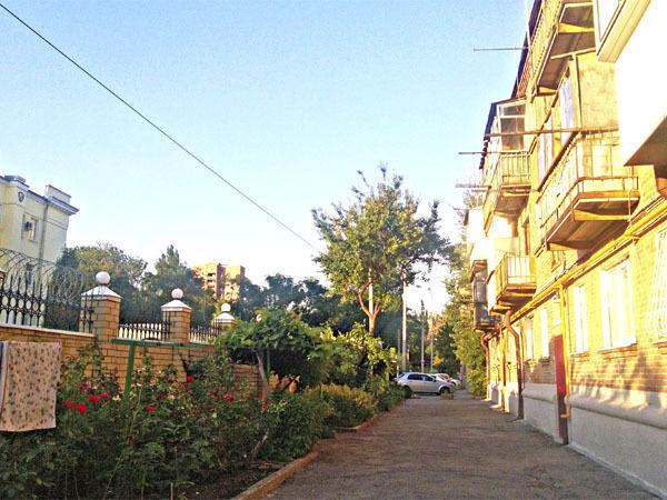 Власти выселяют ростовчан из трехэтажки на Козлова якобы из-за аварийного состояния дома