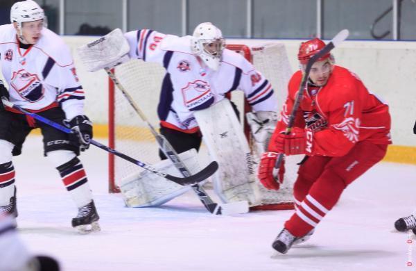 Хоккеисты из Ростова забили шесть шайб в ворота саратовского  клуба «Кристалл»