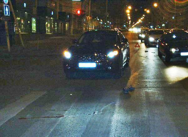 В Ростове водитель «Инфинити» насмерть сбил женщину-пешехода