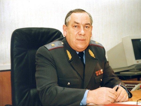Ростов простился со следователем, поймавшим опасного маньяка и канибалла Чикатило