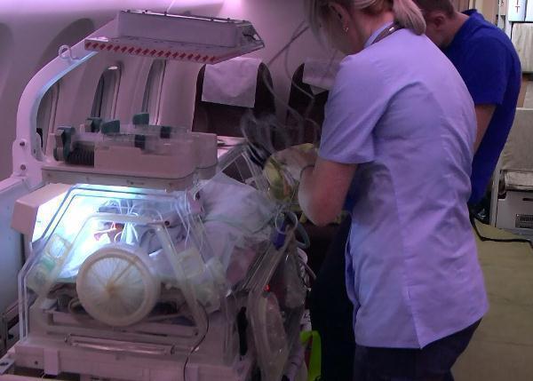 Борт МЧС доставил из Ростова в Москву новорожденного малыша с пороком сердца
