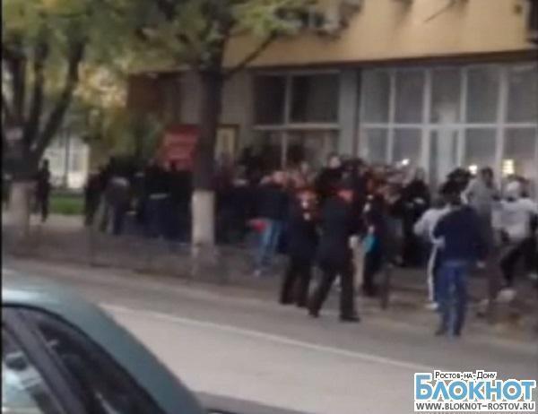 Фанаты «Ростова» и «Кубани» устроили потасовку. ВИДЕО