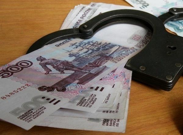 Под Ростовом инспекторы ДПС попались на взятке в 200 тысяч рублей
