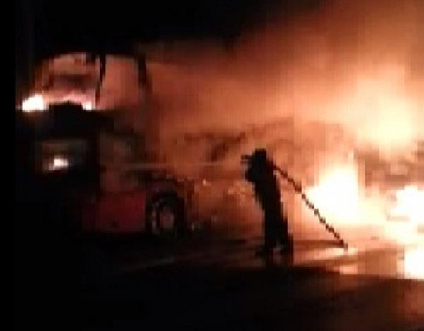 Полыхающий автобус «Москва-Ростов» сняли на видео