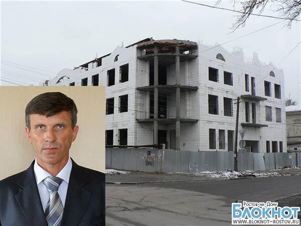 Замглавы Таганрога по архитектуре и градостроительству отстранен от должности из-за обрушения дома