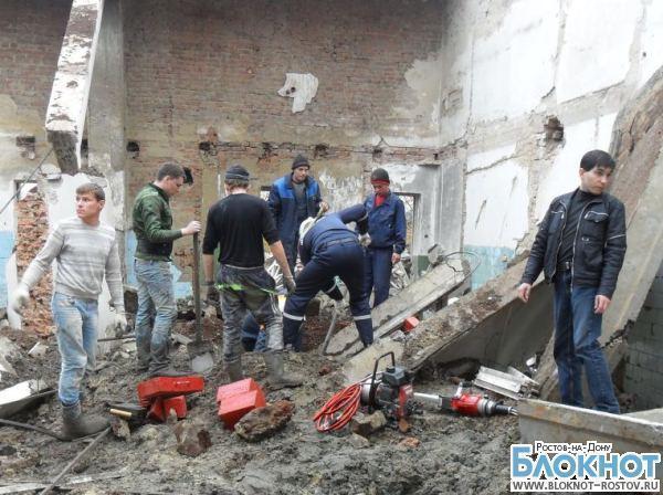 В Ростовской области во время разбора здания обрушилась кровля: 2 травмированы