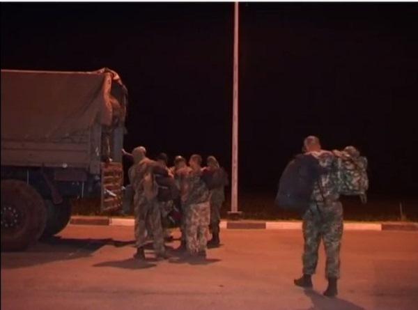 Донские пограничники передали Украине последнюю группу военнослужащих нацгвардии. Видео