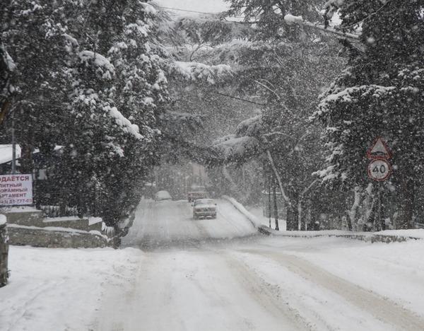 Из-за непогоды на дорогах Ростовской области ограничено движение пассажирского транспорта