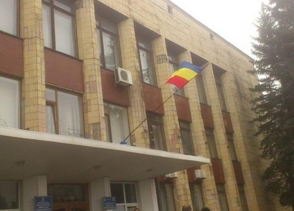Украинские СМИ заявляют о захвате донскими казаками горадминистрации Антрацита в Луганской области