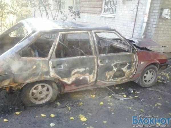 В Ростове-на-Дону за ночь сожгли четыре автомобиля