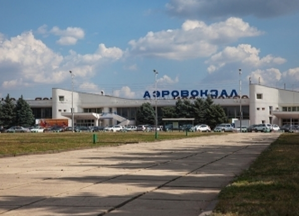 Ростовский аэропорт эвакуировали из-за письма с угрозами обстрела