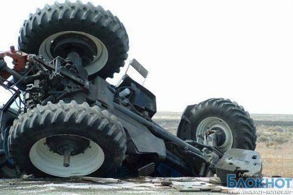 В Ростовской области в ДТП с трактором 1 погиб, 6 пострадали