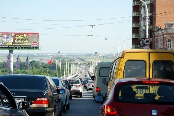 На выезде из Ростова в сторону Батайска «растянулась» пробка
