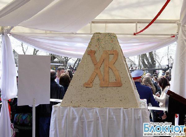 Из Ростова в Крым отправилась самая большая пасха России весом 500 кг