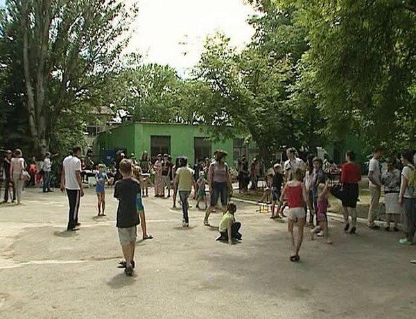 Границу с Ростовской областью за сутки пересекли более восьми тысяч беженцев из Украины