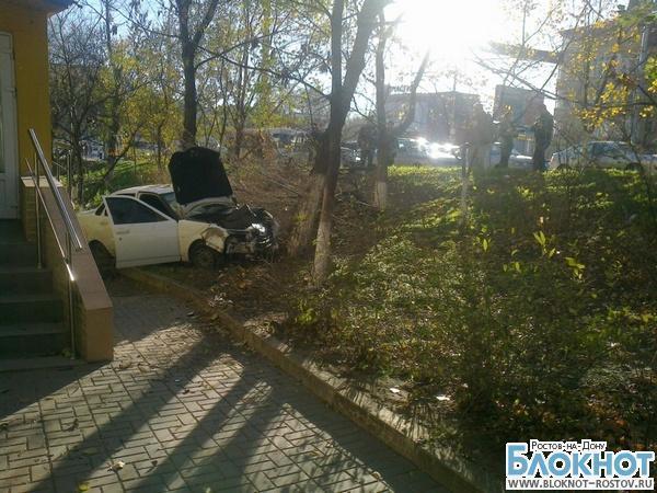 В Ростове «ВАЗ» вылетел на тротуар и насмерть сбил пенсионерку. ВИДЕО