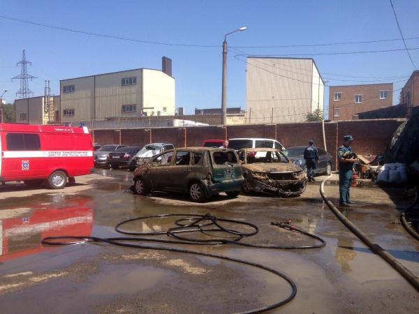 Пожар в ростовском автосервисе оставил без машин десятерых автовладельцев