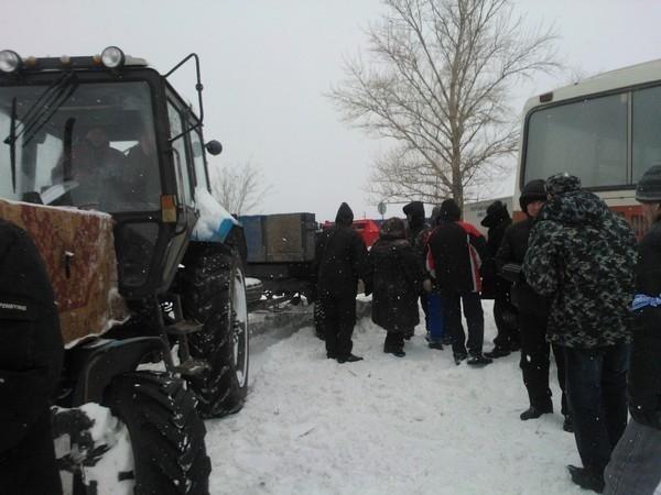 Ростовчане не могут похоронить своих близких из-за снежных заносов на кладбище
