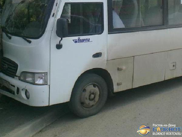 В Ростове маршрутка № 44 врезалась в КамАЗ: 9 пострадавших