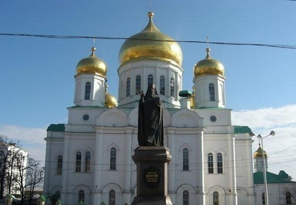 В Ростовском кафедральном соборе началась замена куполов