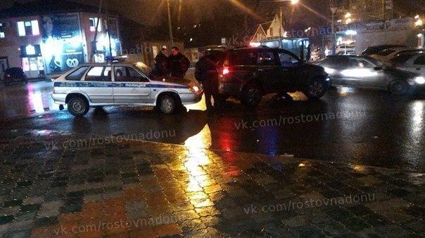 В Ростове водитель джипа въехал в машину ДПС