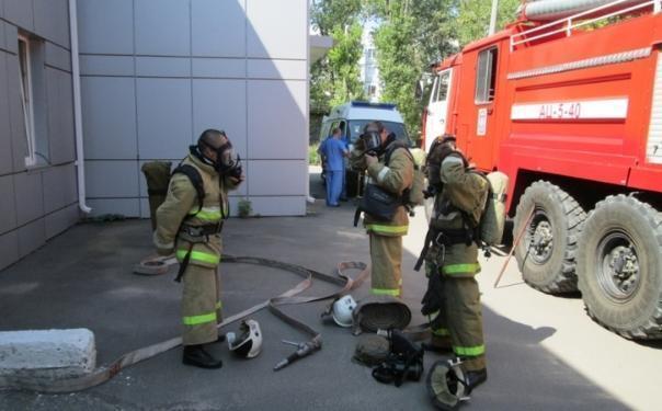 26-летняя девушка пострадала в результате пожара в пятиэтажке в Ростове