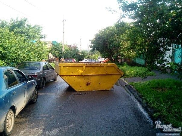 На ростовских улицах плавают металлические ковши