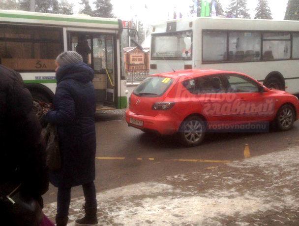 Два автобуса столкнулись вРостове-на-Дону наБольшой Садовой
