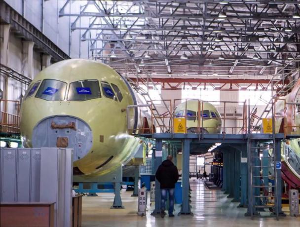 Четыре сотни строителей самолетов уволят с завода гражданской авиации в Ростове