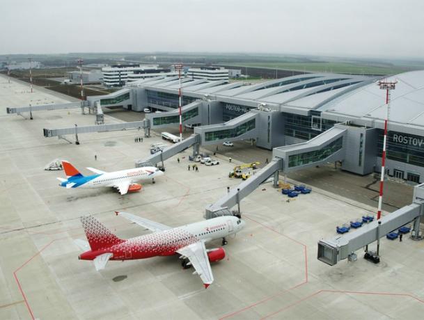 Самых пунктуальных перевозчиков назвал ростовский аэропорт «Платов»