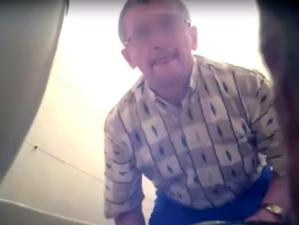 Видео сустановкой извращенцем камер втуалетах Ростова взорвало соцсети